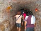 ビンモックトンネル内へ