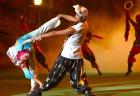 踊り子達による華麗なショー