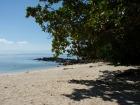 のんびりとビーチで日光浴も