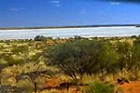 巨大な塩湖、アマデウス湖