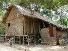 農村の住居は高床式住居が多いです