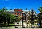 故ダイアナ妃の住まいだったケンジントン宮殿