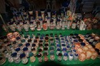 ナイトマーケットを探索:色とりどりの雑貨