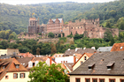 旧市街から見上げるハイデルベルク城
