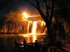 滝もライトアップ