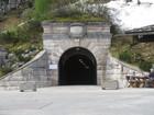 トンネルへの入り口