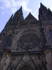 プラハ城の象徴的建物「聖ヴィート大聖堂」