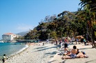左はカタリナ島のシンボル、カジノ