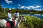 自然の中でのんびり乗馬