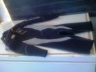冬期に使用するのは長袖半ズボンの5mmウェット(レンタル用)