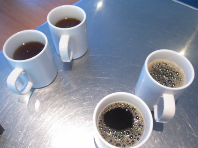 温かいコーヒー・紅茶は出航前にもらいましょう