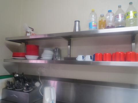 共同キッチン 食器等あるので便利