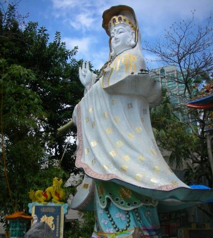 大きな天后(女神)像