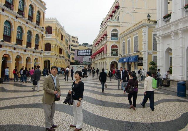 異国情緒溢れるセドナ広場