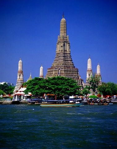 河越に見る暁のお寺