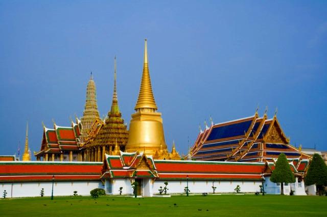 美しい外観、エメラルド寺院
