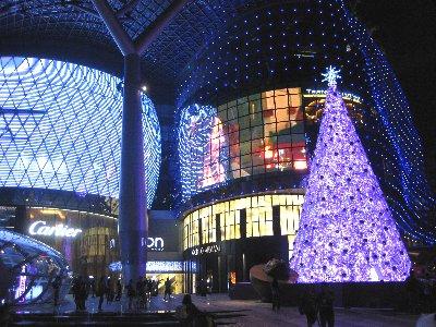 11月末から1月頭にかけてはクリスマスライトアップもご覧いただけます。