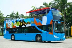 快適なオープントップバス