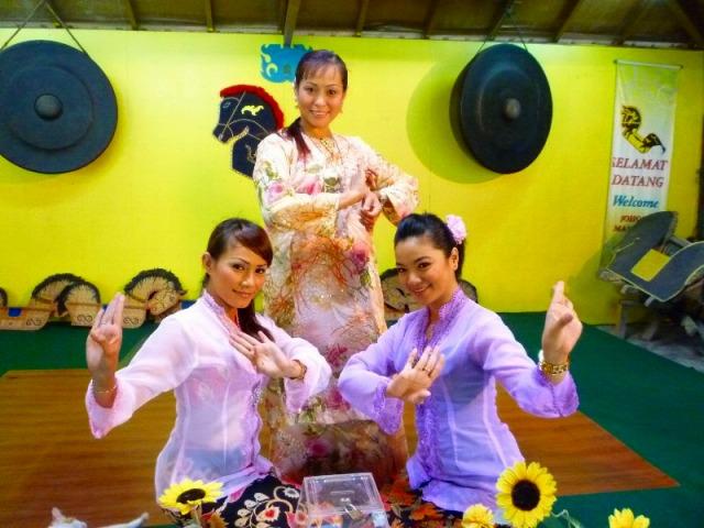 伝統舞踊鑑賞