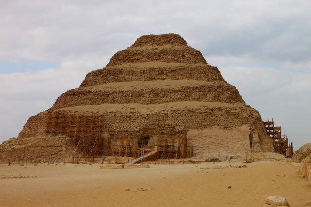 サッカーラのピラミッドは必見