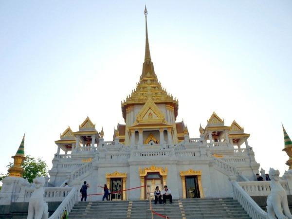 ワット・トライミット(黄金仏寺院)