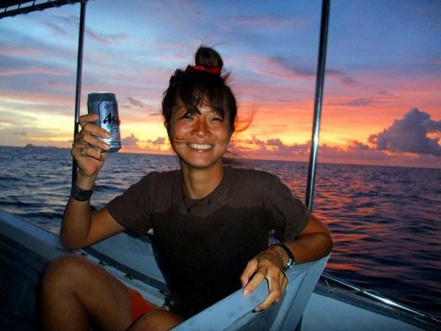 船の上のビールはうまい!