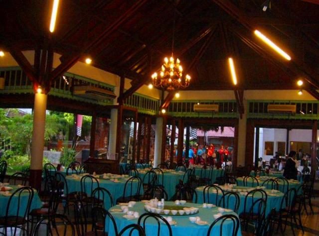 ランチレストラン