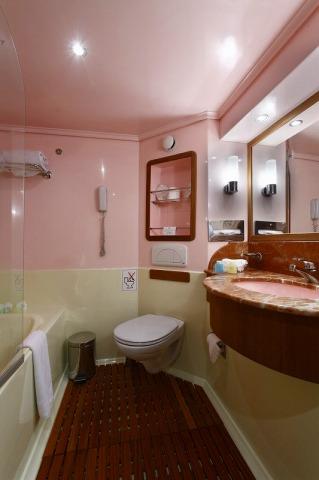 キャビンバスルーム