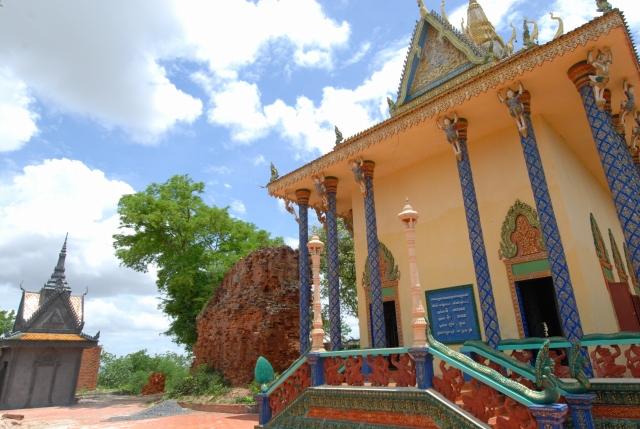 プノンタマウ寺院
