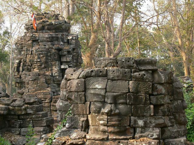 アンコール・トムのバイヨン寺院のような四面仏