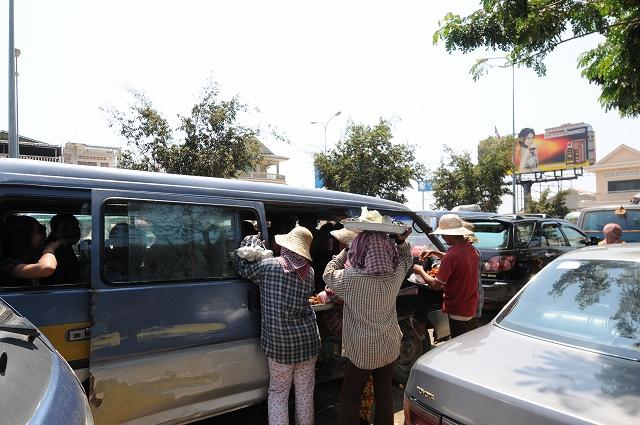 AREIT KSATR村へ向け出発