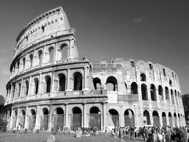 古代遺跡の代表コルッセオ