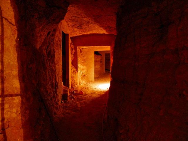 カタコンベの地下墓地