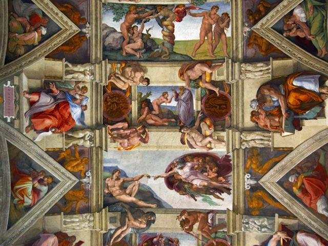 システィーナ礼拝堂内のミケランジェロのフラスコ画