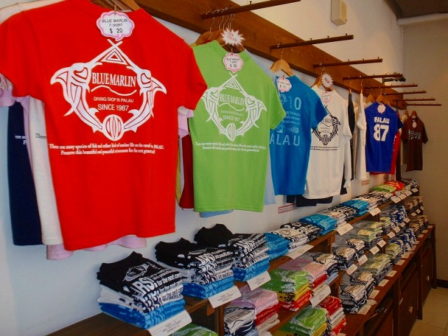 オリジナルTシャツも販売してます。