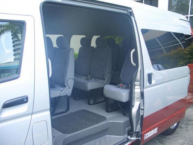 コンビバス車内の様子(一例)