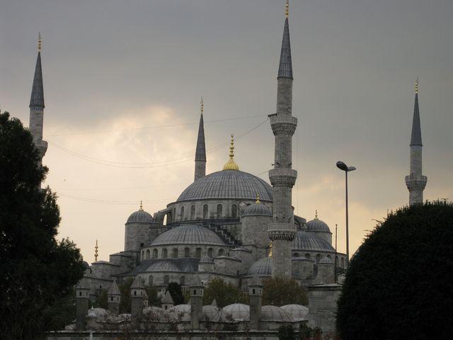 オスマン帝国繁栄の象徴「ブルー・モスク」