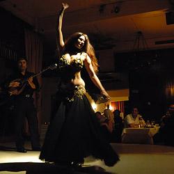 スローテンポなベリーダンス