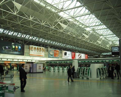 ローマ・フィウミチーノ国際空港内