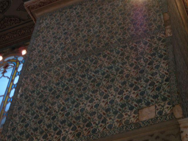 イズニック・タイルを2万枚以上使用している内部装飾