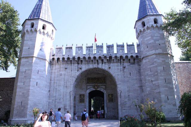 トプカプ宮殿「表敬の門」