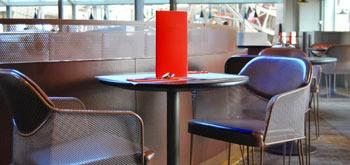 エッフェル塔・第1展望台にあるレストランにてランチ