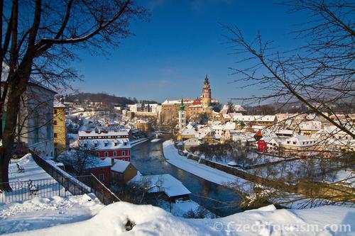 冬景色も美しいチェスキー・クルムロフ城