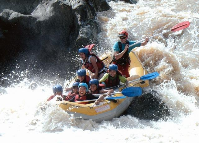 バロン川はラフティング初級者用の川
