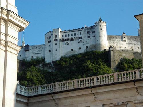 青空に映える白いお城