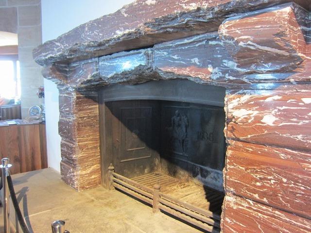 ムッソリーニが進呈した暖炉
