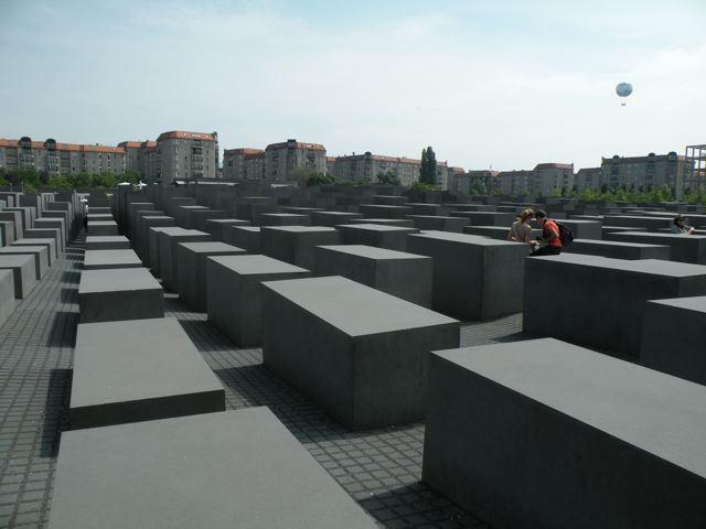 ユダヤ人慰霊碑(Copyright (C) 2011MIKI Reisen GmbH All Rights Reserved)