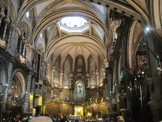 黒いマリア像のある「モンセラット修道院」
