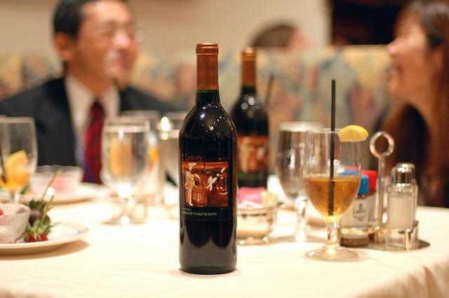 お土産としても買えるオリジナルワイン(ローリーズ・ザ・プライム・リブにて)