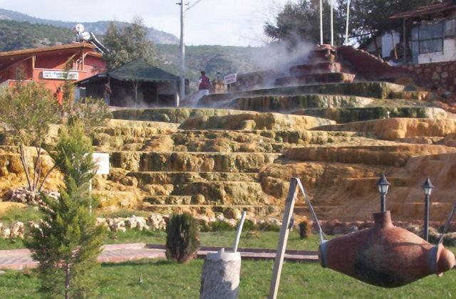 カラハユットの温泉
